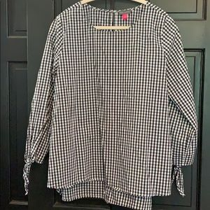 Vince Camuto black white blouse large